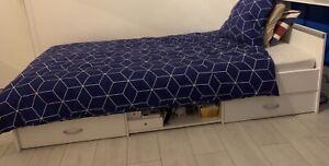 lit 90x200 avec rangements très bon état