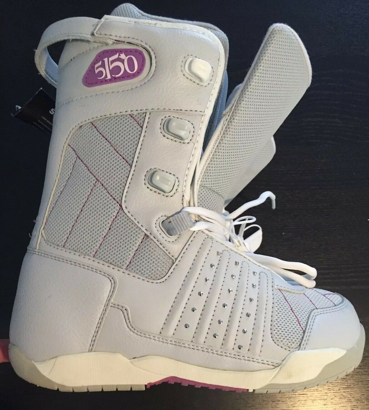 5150 Womens Snowboarding Boots Size 7 New