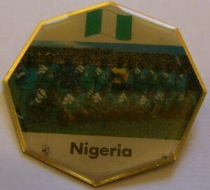 WORLD-CUP-94-USA-SOCCER-NIGERIA-TEAM-PICTURE-FIFA-FOOTBALL-vintage-pin-badge-Z8J