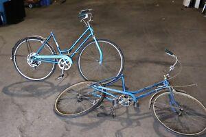 f29fb9ae103 Image is loading Lot-of-2-Vintage-Schwinn-Collegiate-Breeze-Bikes-