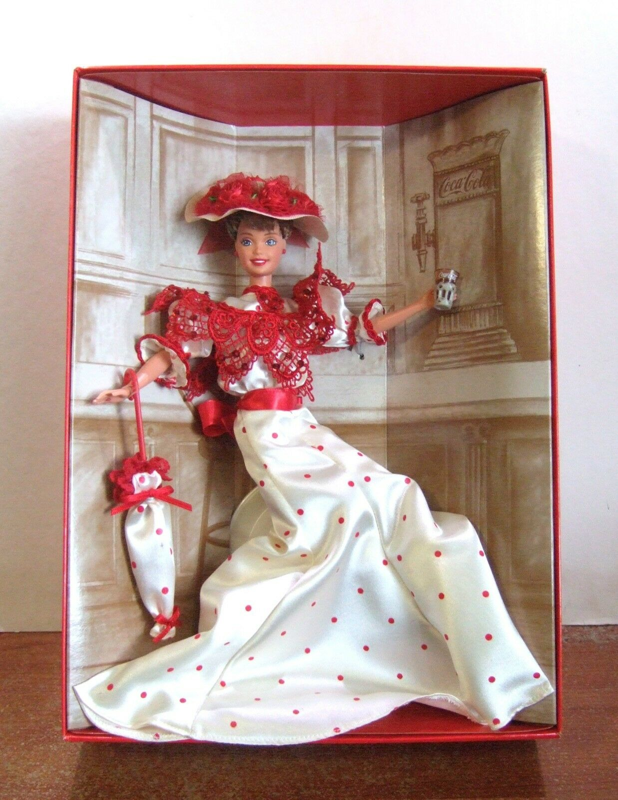 1996 Soda Fountain Sweetheart Coca Cola Barbie mit Absender Box NRFB (Z185)