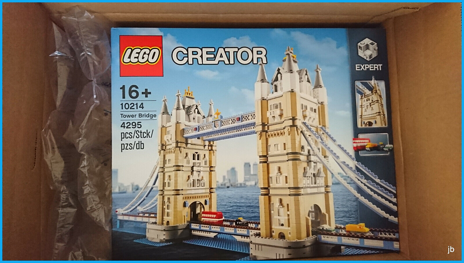 LEGO TOWER BRIDGE 10214 CREATOR RETIRED MODEL SOLD OUT