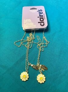 New Pair Of Claire/'s Bff Best Friends White With Yellow Daisy Necklaces