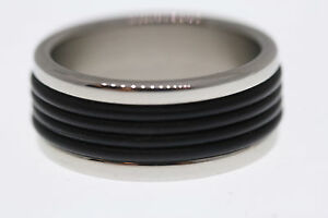 Stainless-Steel-and-Grooved-Black-Rubber-Center-10mm-Band-Ring