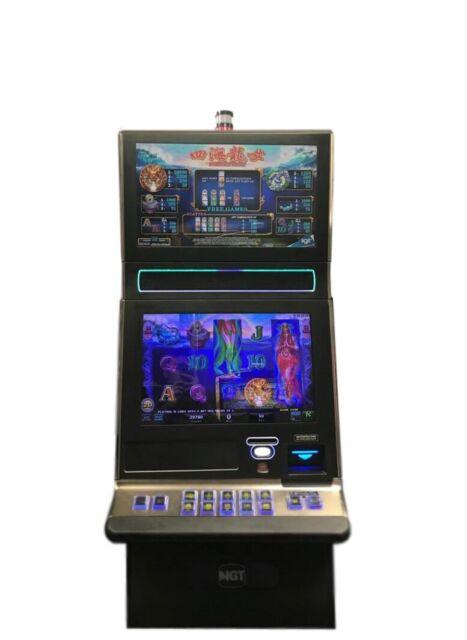 "IGT G23 Slot Machine /""Diamond Queen/"""