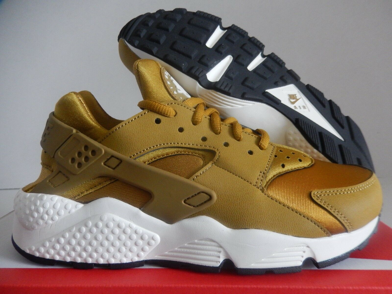 WMNS NIKE AIR HUARACHE RUN BRONZEINE-BRONZE-SAIL-BLACK SZ 6.5 [634835-700]