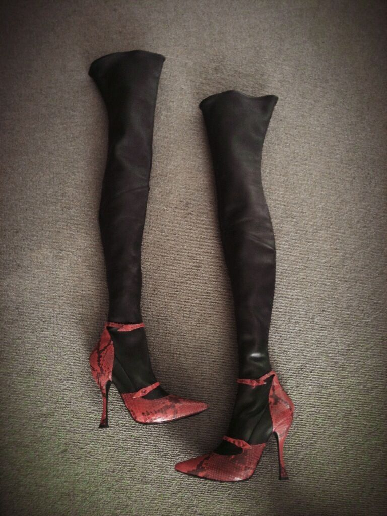Alexander McQueen Red Snakeskin & Black Leather Thigh High Boots Size 39 2500