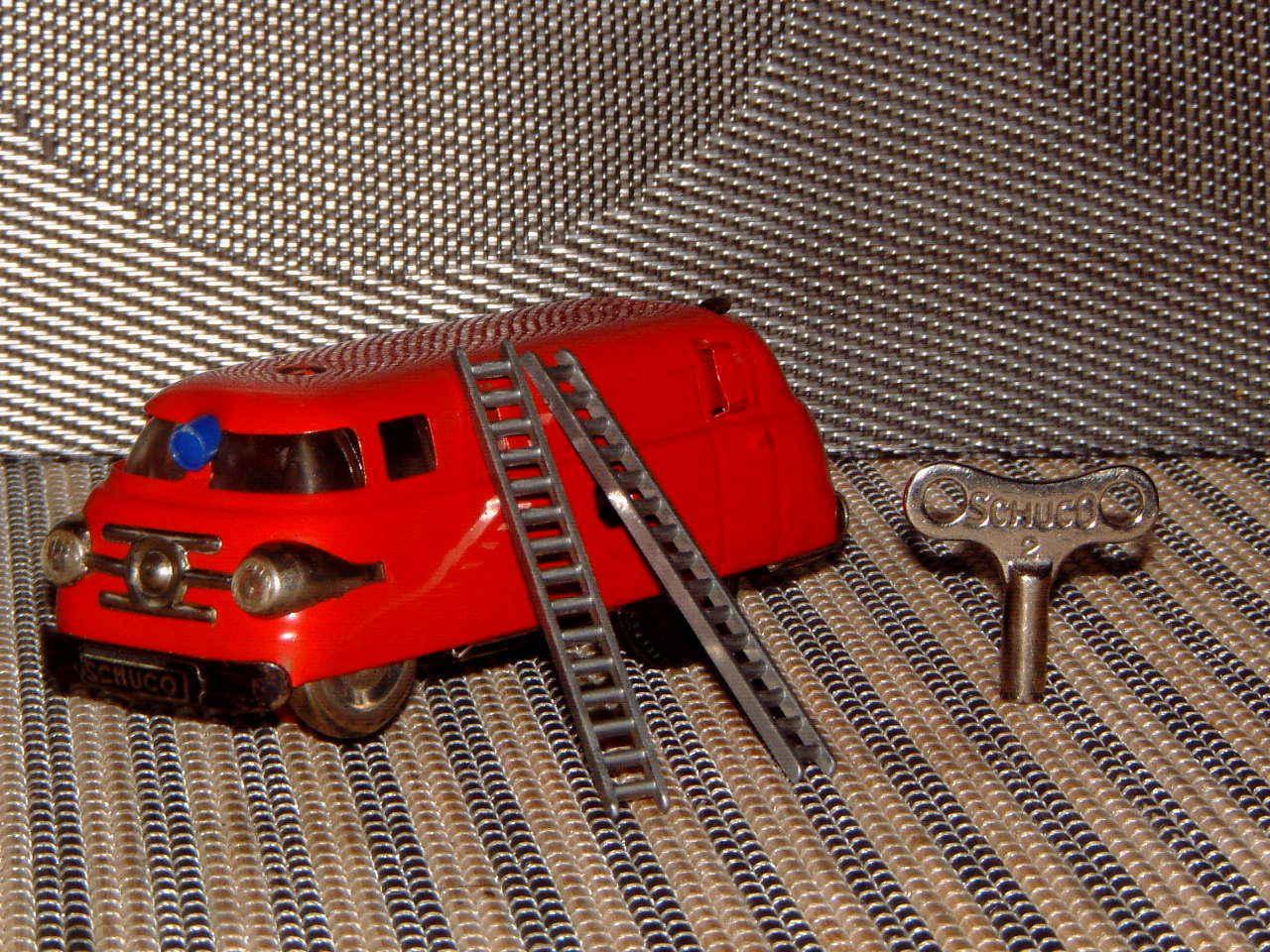 Rara Vintage Clockwork Schuco Varianto camión de bomberos sin reserva. 3047  totalmente funcional con llave