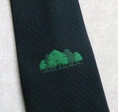 Diplomatico Vintage Cravatta Da Uomo Cravatta Crested Club Associazione Società Alberi Verde Blu Scuro 1980s-mostra Il Titolo Originale