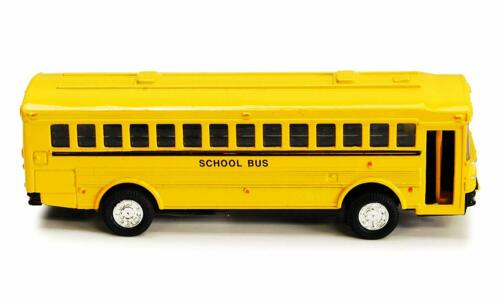 Flat Nose Yellow School Bus Diecast Model pull back action openable doors 5 inch