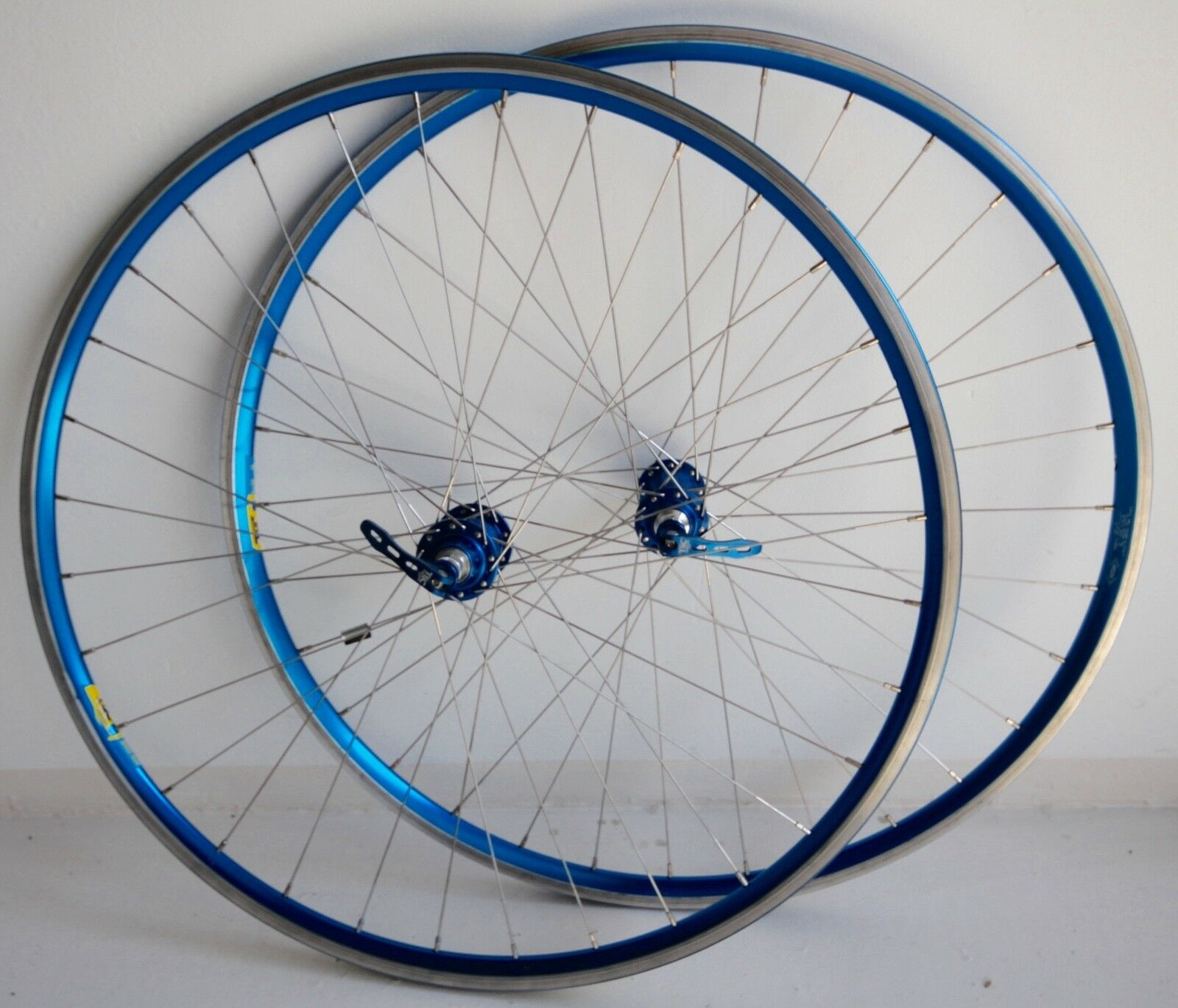 Tec Components azul Anodized wheelset 9s Campagnolo 700c 32h pesadas