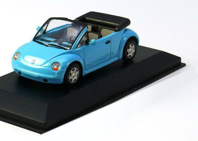 Vw new beetle concept car cabrio 1994 hellblau minichamps 430054030 1   43