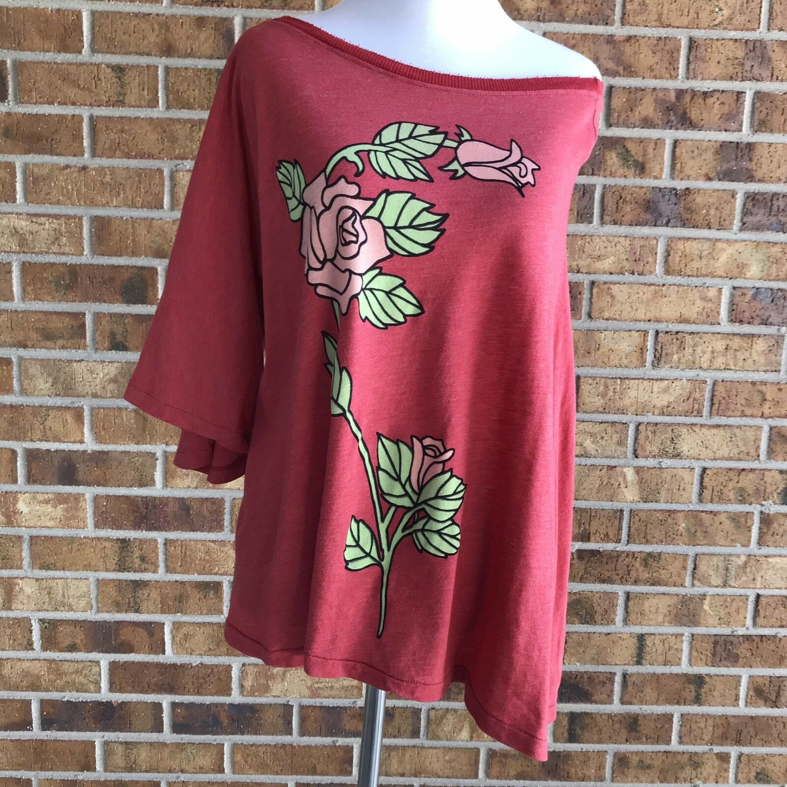 Wildfox English pink One Shoulder Tee sz M Muted Red