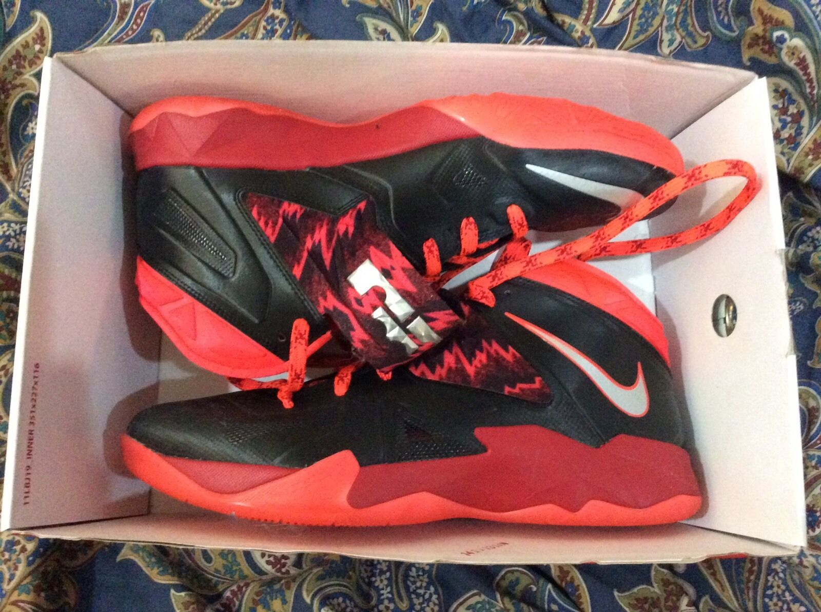 New Nike LeBron Solder VII Blk/Red/Slvr Comfortable Wild casual shoes