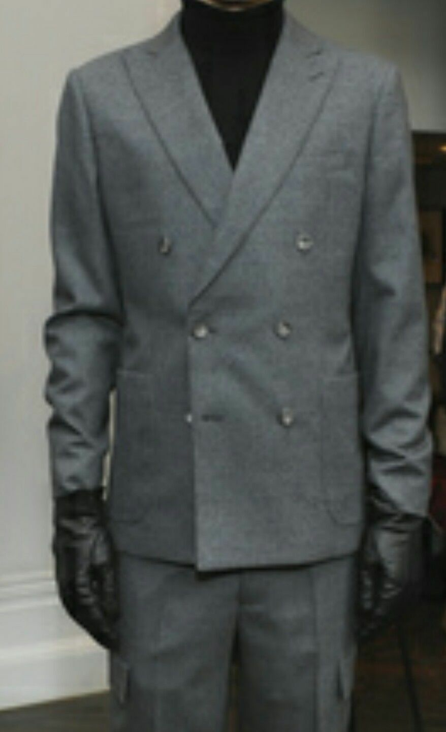 Hardy Amies London wool brinsley fit blazer grey color Size 42  pit to pit 22