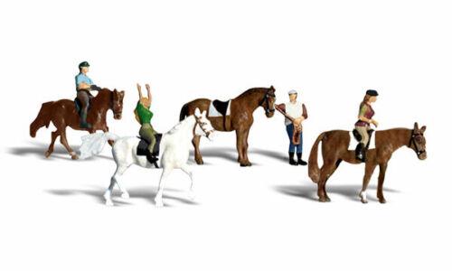 Woodland Scenics A1889 Pferde und Reiter 1:87 Figuren Miniaturwelten H0