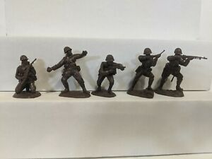 Conte-WWII-U-S-GI-039-S-Bloody-Omaha-5-Figures-Dark-Brown-Color-1-32-A