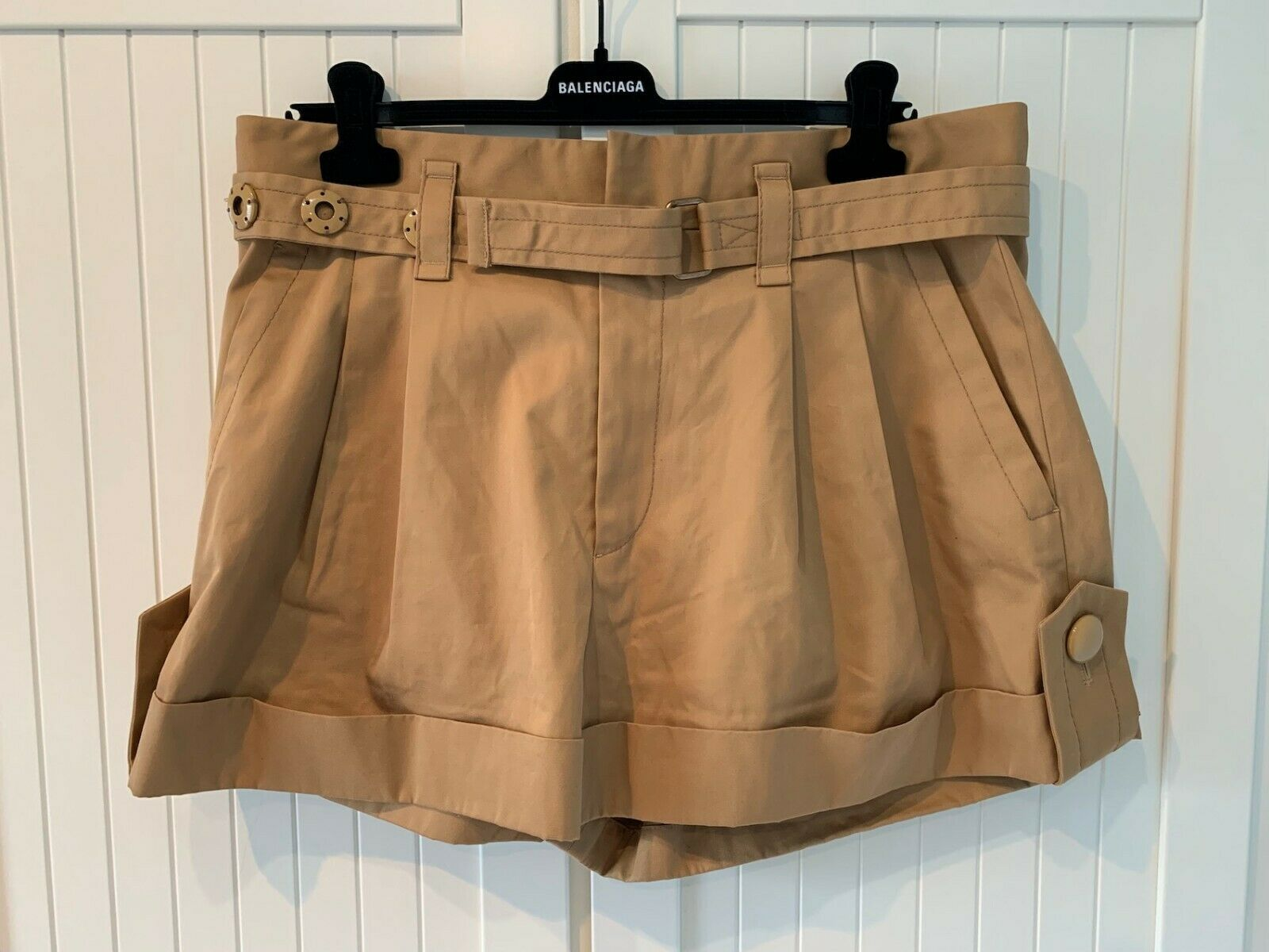 MARC JACOBS Women's Pleated Shorts w Tab Cuff, L