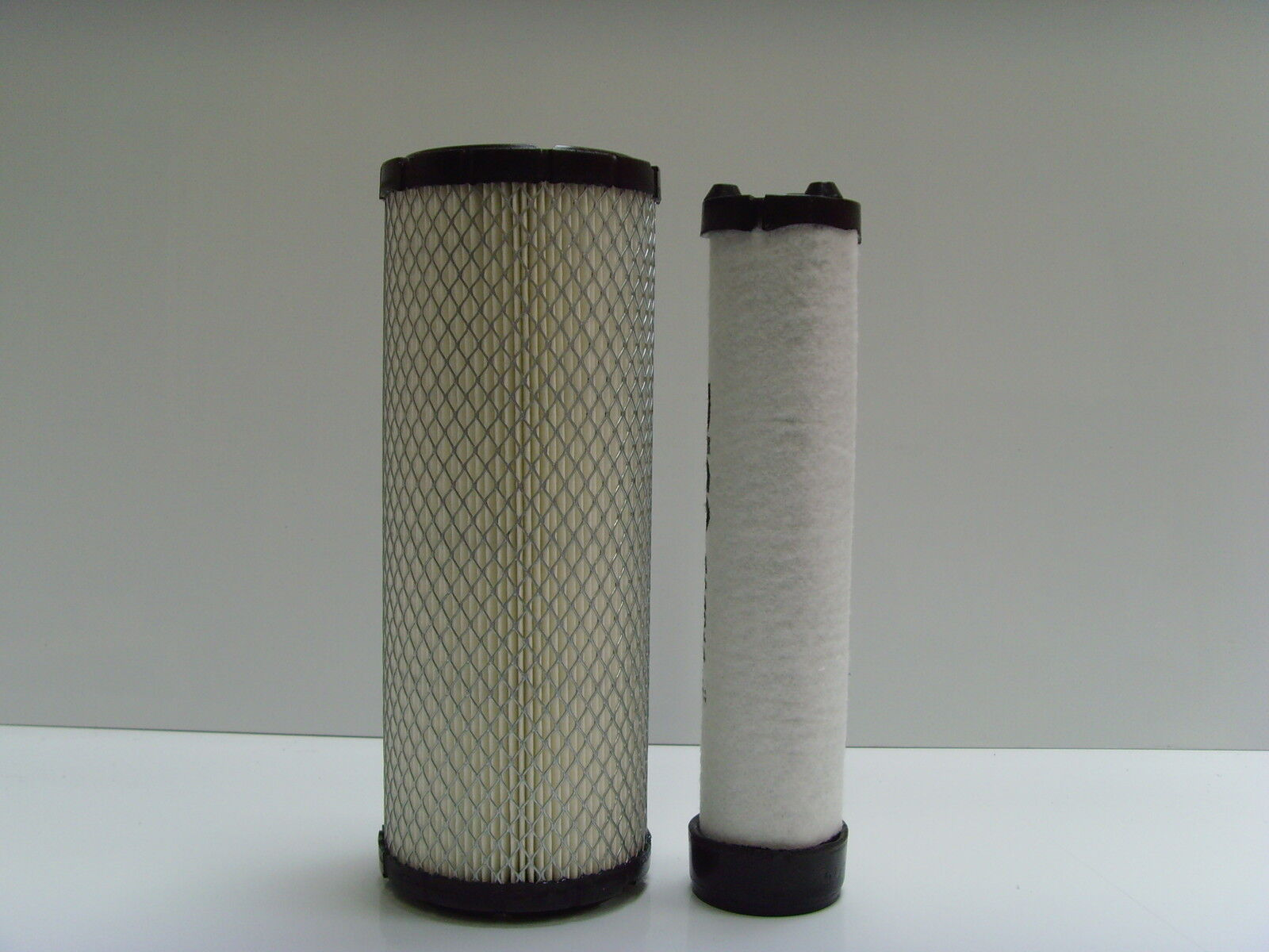 Air Filter with Radial Seal for Bobcat JCB Ingersoll Rand