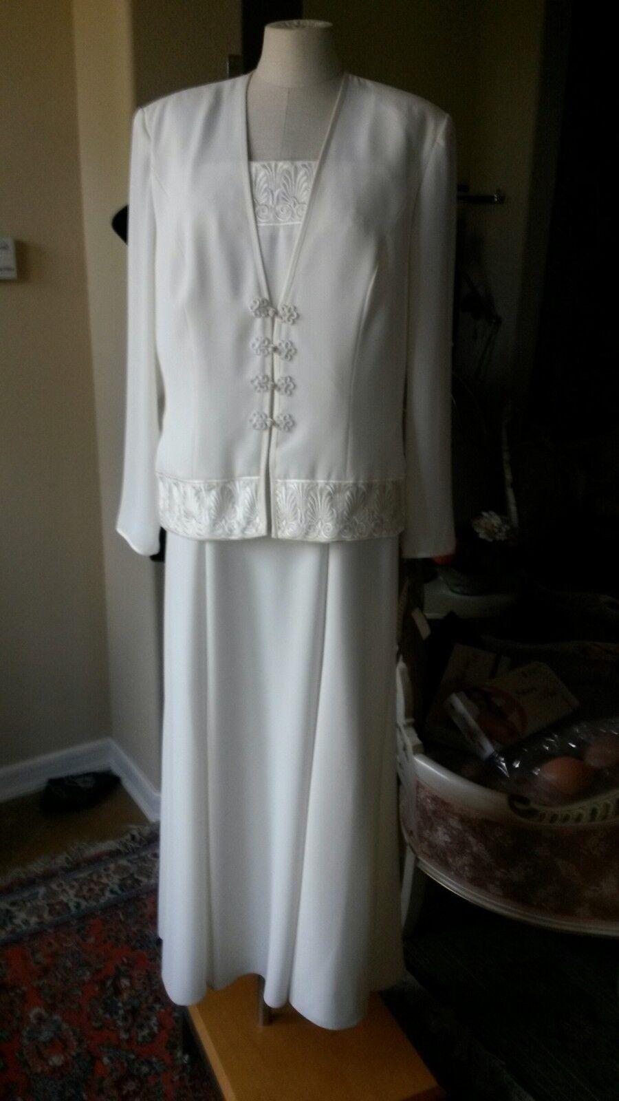 Ursula of Switzerland style 11115 Ivory size 16 --Mother of the Bride