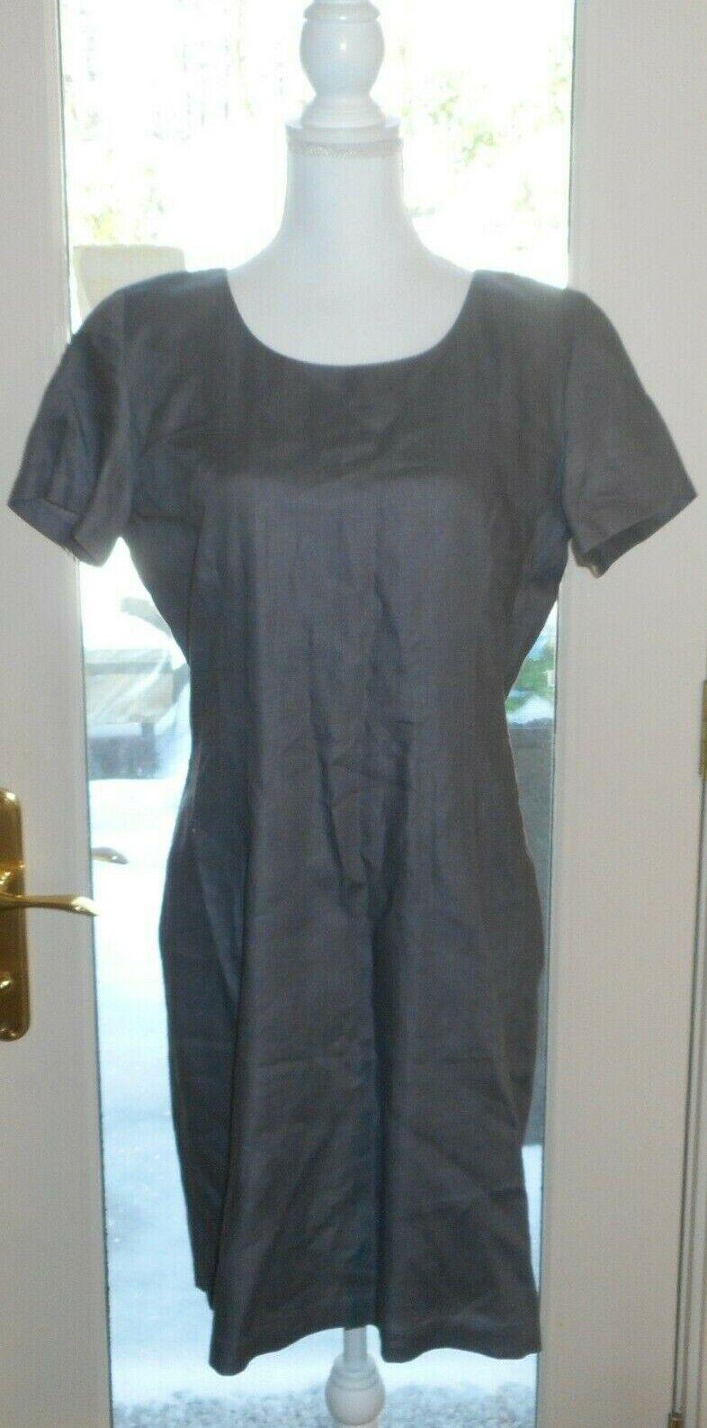 TWEEDS Sz 12 Gray Zipper Closure In The Back Short Sleeve Dress