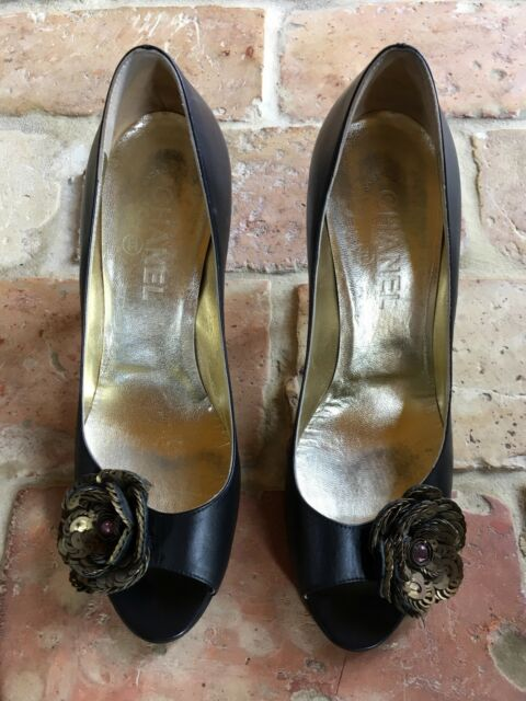 Chanel Black/Gold Shoes Size 40