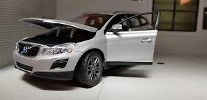01:24 Volvo Xc60 Es Se T6 Modèle argent voiture 4x4 2013 Rastar Miniatures 6930751304185