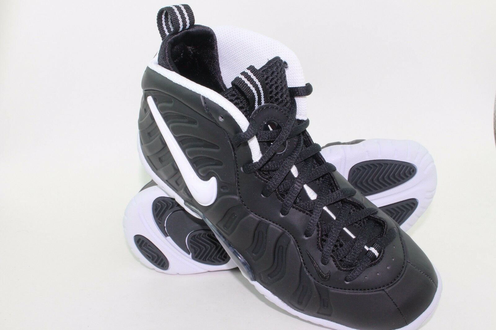 NIKE LITTLE POSITE PRO  DR DR DR DOOM  YOUTH SIZE 4.0 SAME AS WOMAN 5.5 NEW BLACK WHIT 68ea50