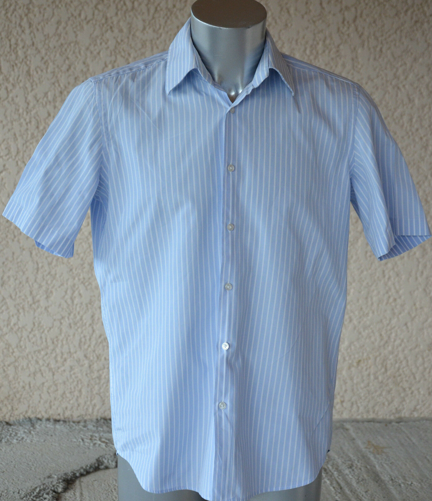 HUGO BOSS - Adorable shirt bluee sleeves short-size 39 - MINT