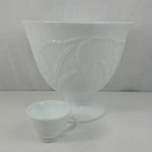 Milk-Glass-Punch-Bowl-w-8-Cups-Indiana-Pebble-Leaf-White-Mid-Century-Modern