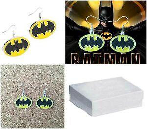 Silvertone-DC-Comics-Batman-Logo-Charm-Dangle-Earrings-W-Gift-Box-USA-Seller