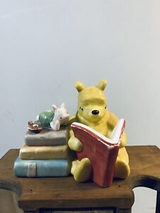 Winnie-The-Pooh-And-Piglet-Reading-Books-Ceramic-Night-Light-Lamp-Vintage