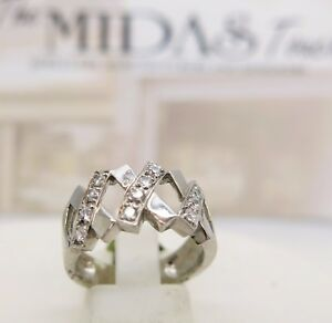 9ct-white-gold-cubic-zirconia-XXX-kiss-ring-size-M-375