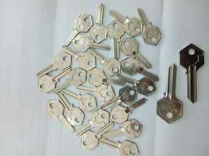 KEY-KEYS-CHIAVE-PZ-27-ORIGINALE-YALE-LOTTO-STOCK
