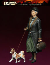 1/35 Scale Resin Figure kit ~ Elderly Lady