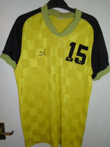 Vintage-80-039-s-Puma-Football-Handball-shirt-Large-Number-15-made-in-west-germany