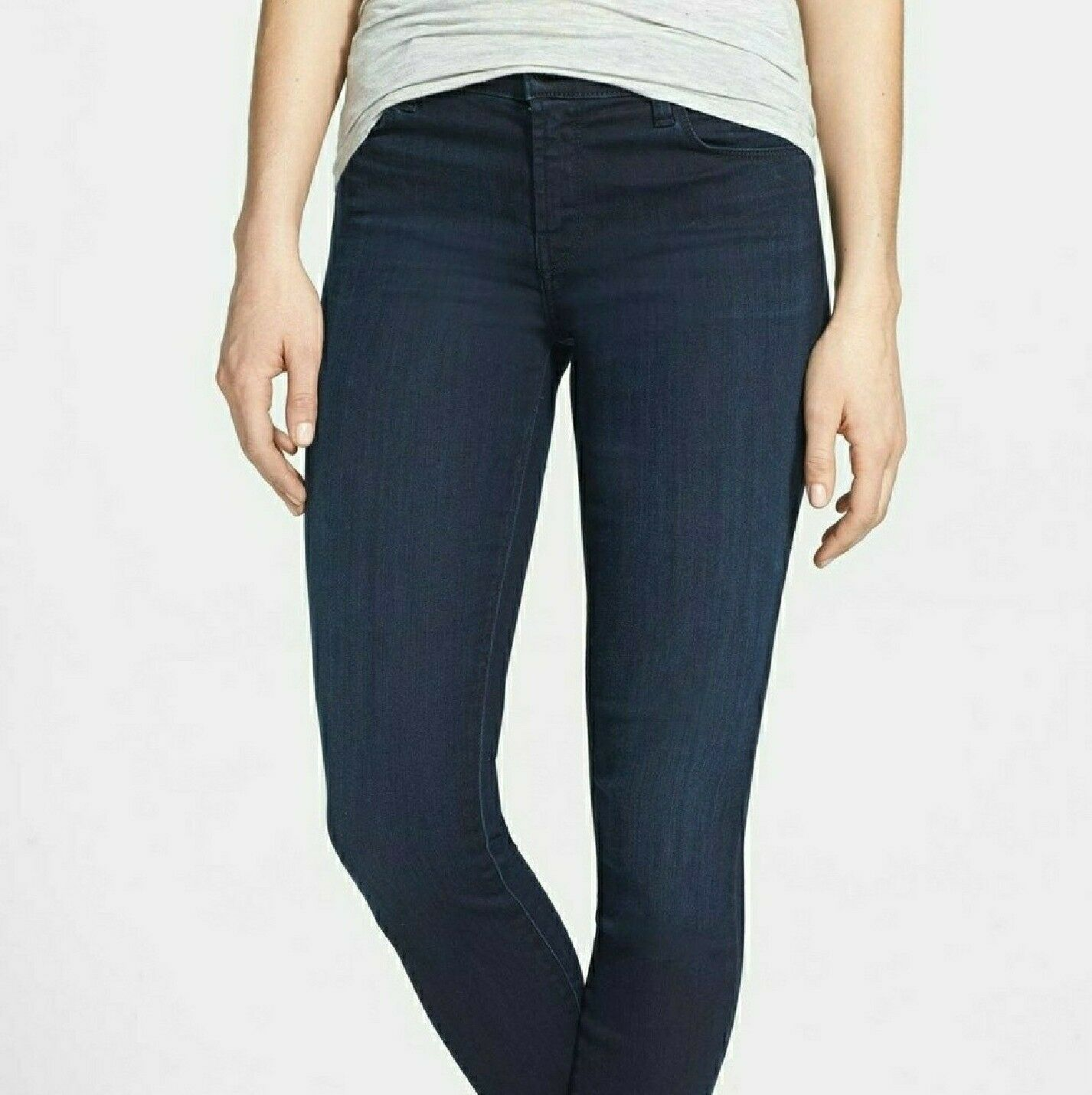 New With Tags J Brand 28 Dark bluee Jeans Mid Rise
