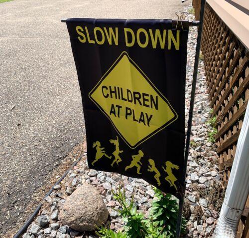 Garden Lawn Flag Children At Play Quality 12.5 x 18 Black /& Yellow Child Safety
