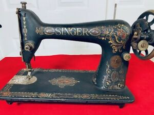 Antique-Singer-Model-66-Redeye-1910-Treadle-Sewing-Machine-with-Add-Parts