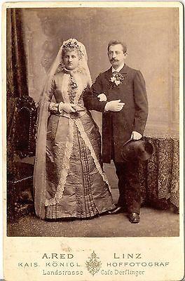 A. Red CAB photo Schönes Hochzeitsbild - Linz 1880er