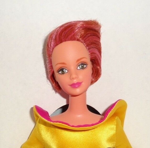 Barbie, COLLECTOR BARBIE I ÆSKE BILL BLASS