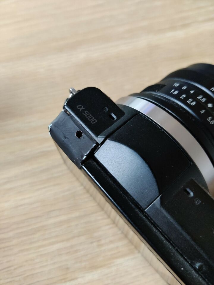 Sony, Alpha 5000, 20.1 megapixels