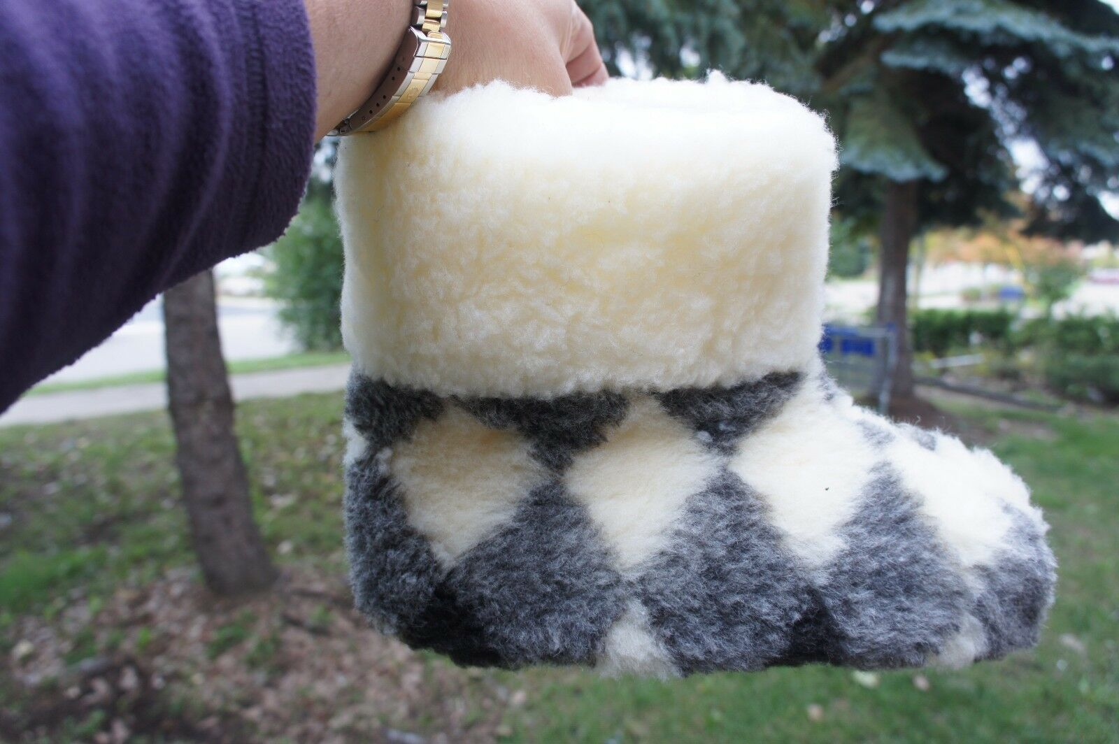 AUTHENTIC WOMEN WOOL SHEEPSKIN SLIPPERS. Made in Europe. No China.