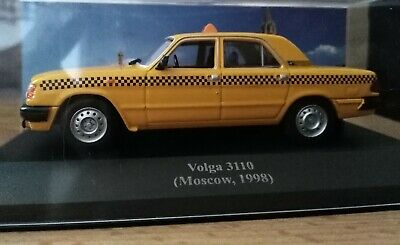 Voiture 1//43 IXO déagostini RUSSE Service GAZ 3110 VOLGA taxi