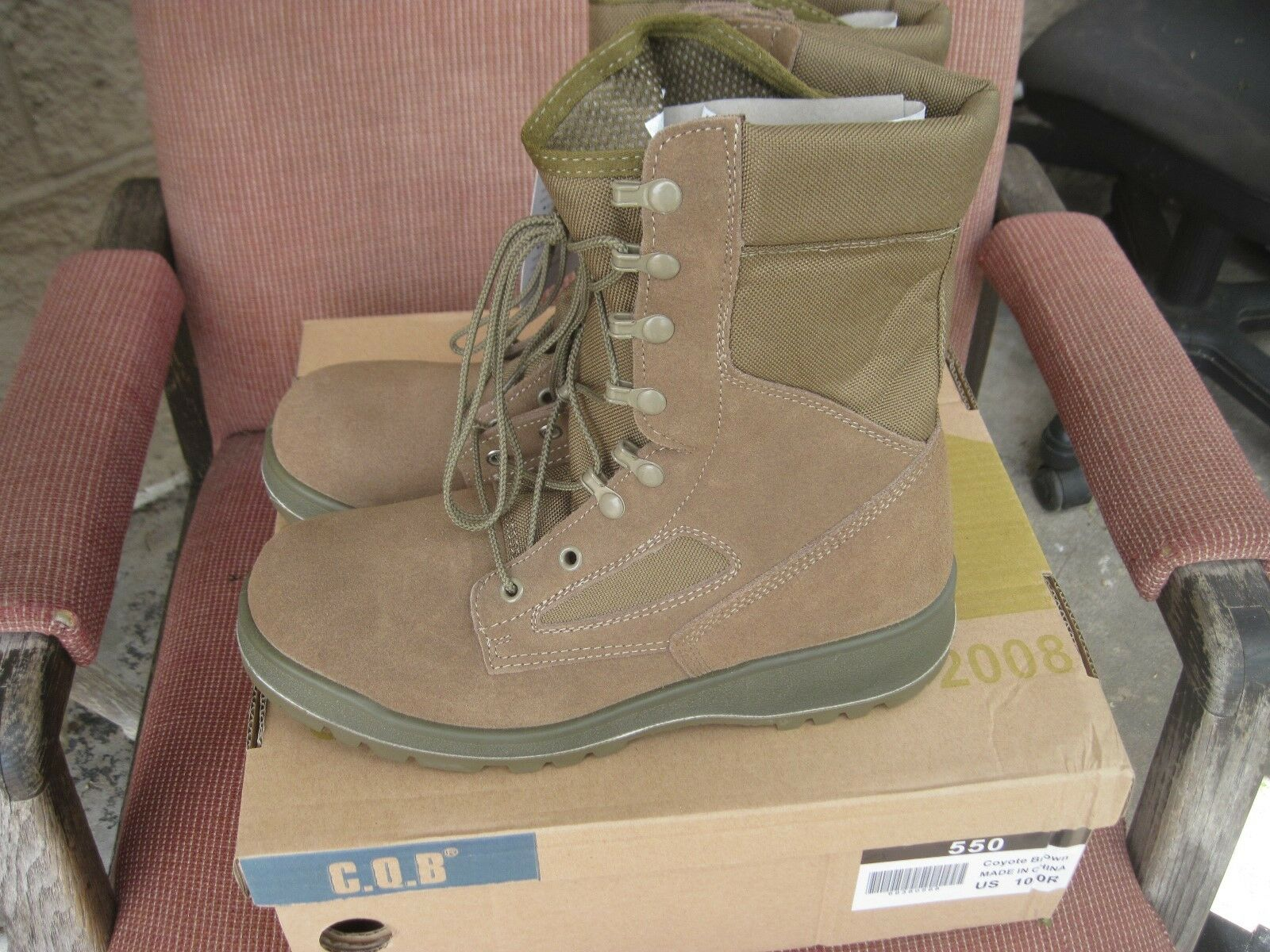 C.Q.B.  COYOTE BROWN  BOOTS  SIZE 10  R