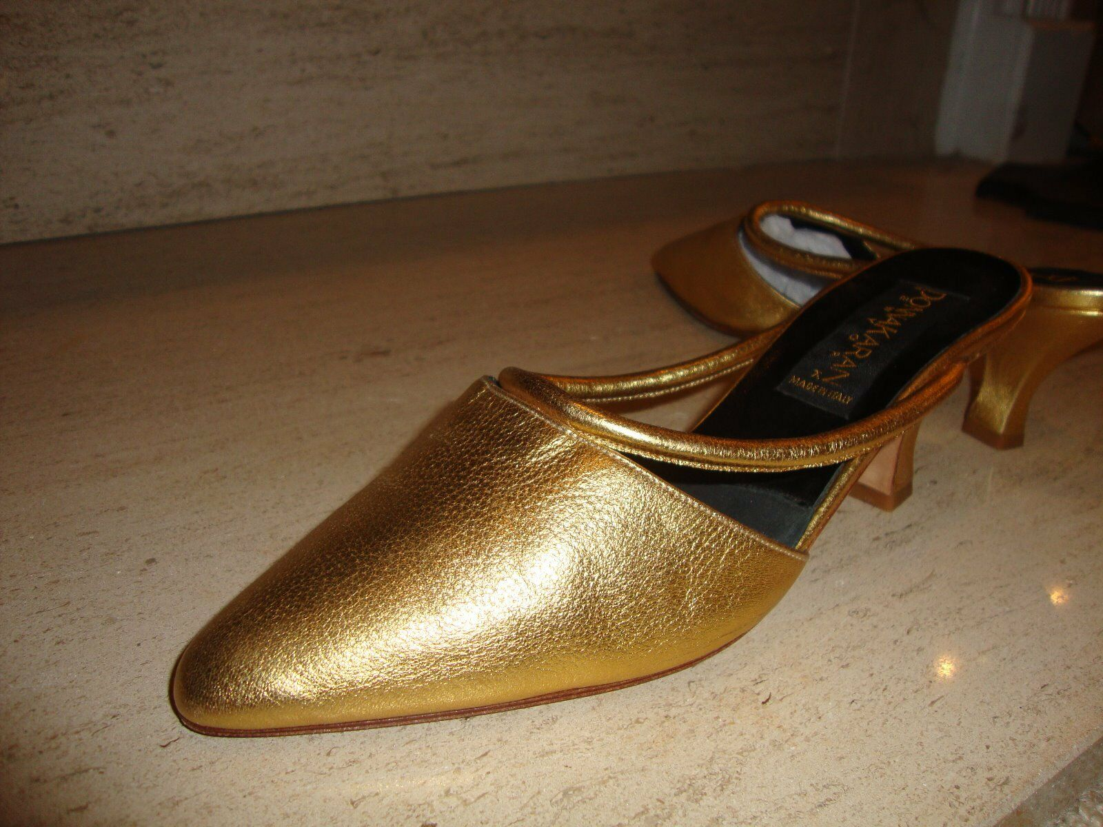 GORGEOUS, NEW GOLD LEATHER MULES BY DONNA KARAN ITALIAN COLLECTION