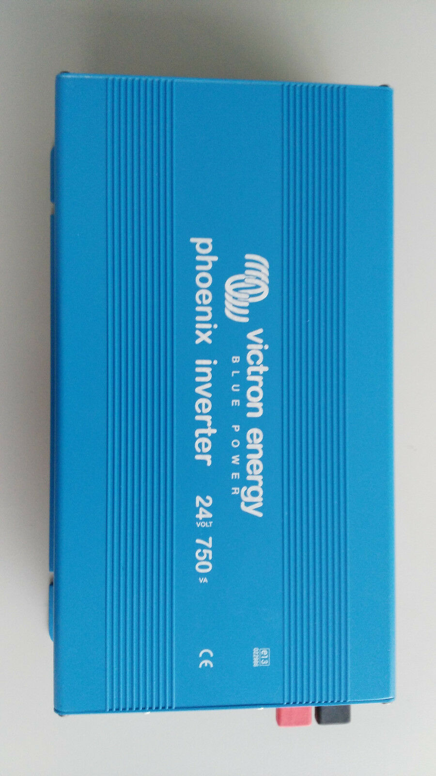 VICTRON ENERGY  azul POWER INverdeER  24 750   (NEW OLD STOCK)