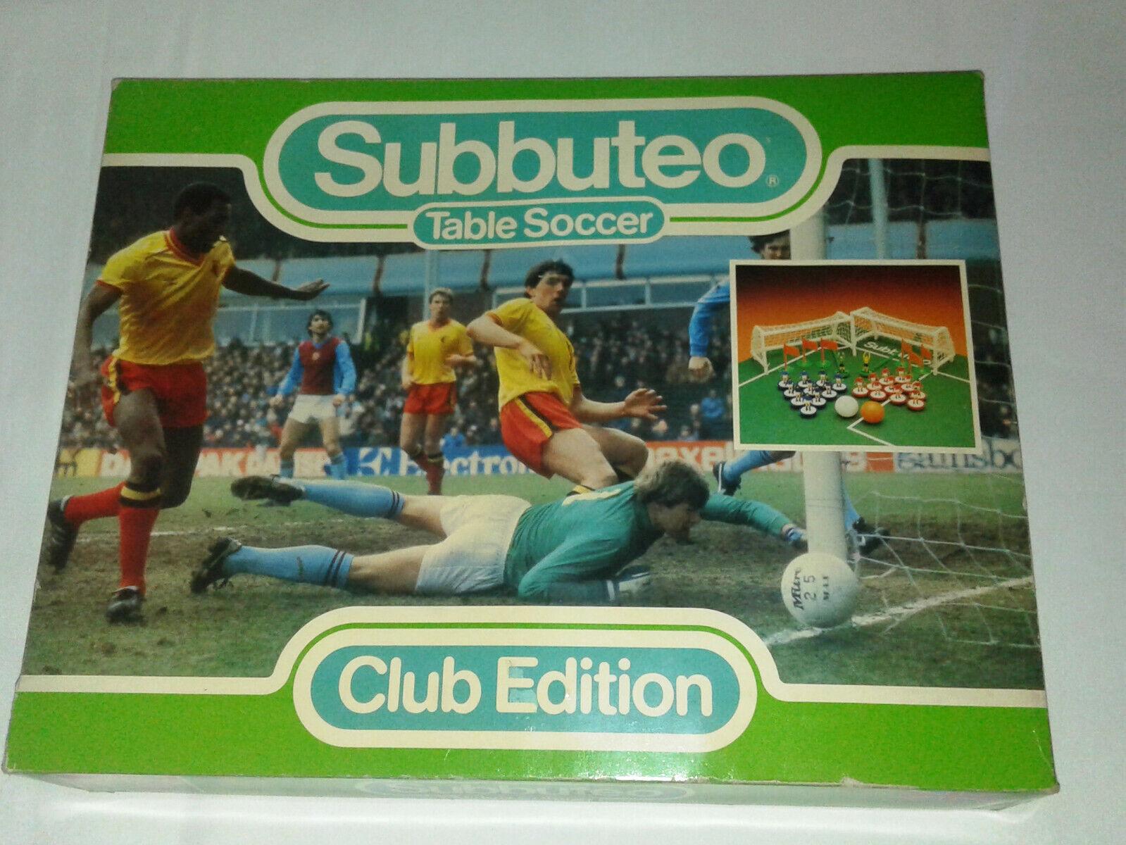 Très difficile à trouver années 80 Era Subbuteo Set-club edition. Tableau foorball match de foot. Boxed,