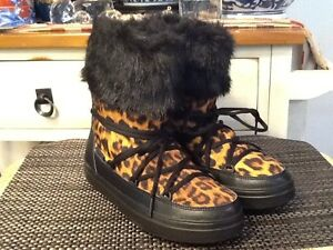 fae426cded1 RARE! Crocs LodgePoint Graphic Animal Print Lace-Up Boots US size 7 ...