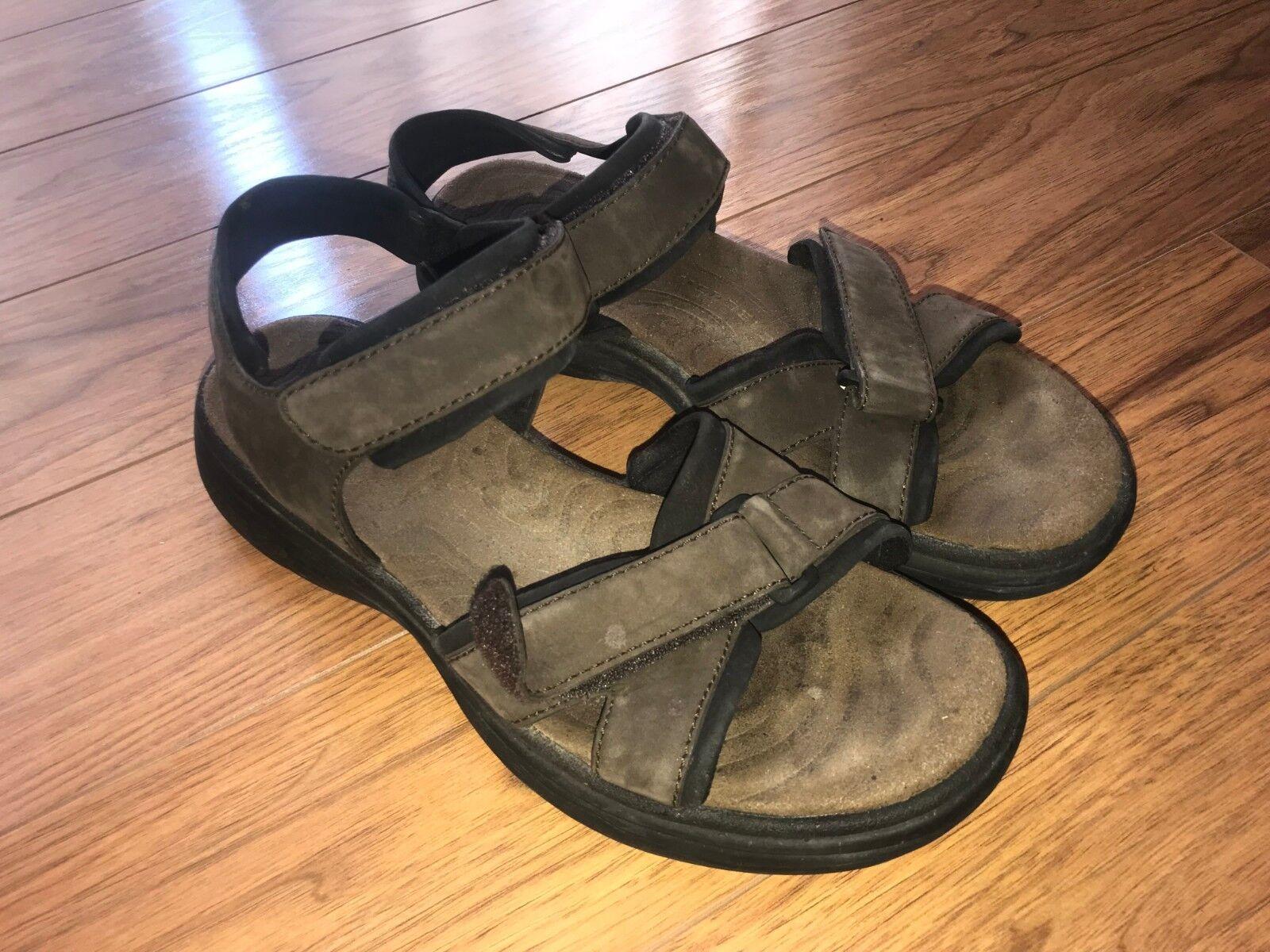 Merrell mens sandals size 10 US